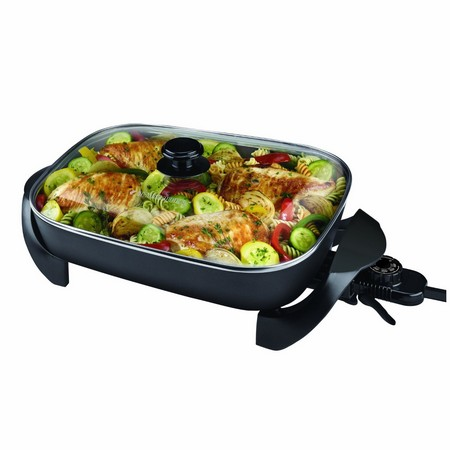 Best large electric skillet: Black & Decker SK1215BC