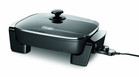 The third one in our list: De'Longhi BG45 Electric Skillet